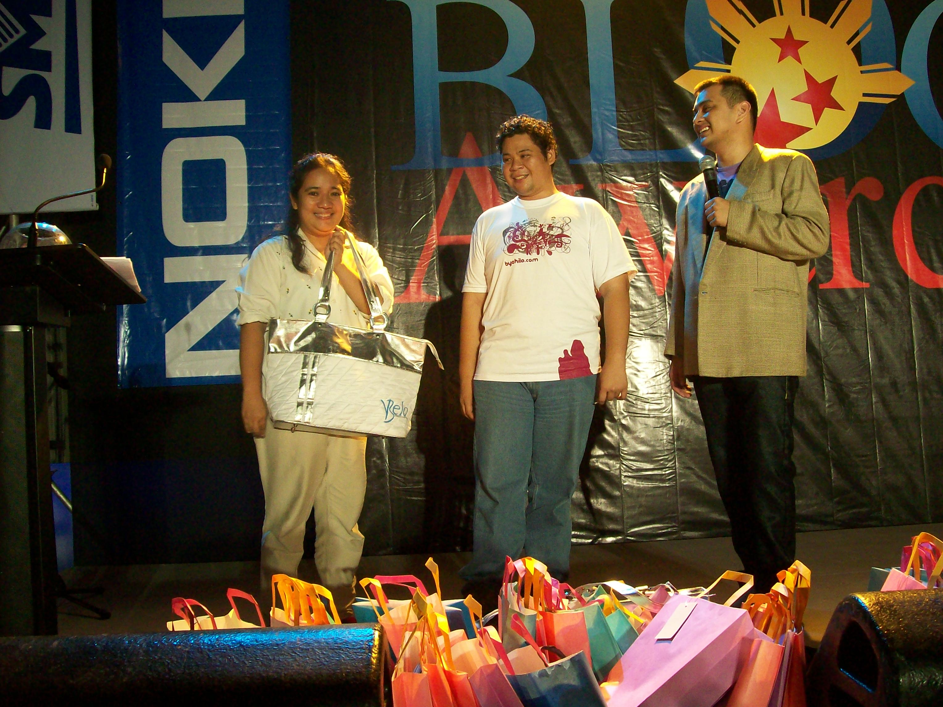 During the raffle, three lucky bloggers won a Belo Bag containing a