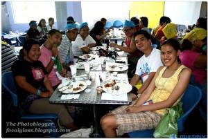 Lunch Taym! -  Faith, Alan, Aj, Gail, Nina, Fritz and Moi