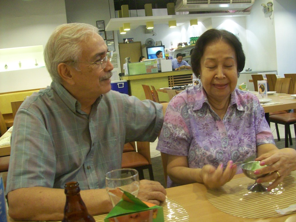 Lolo and Lola sweet over Gelato