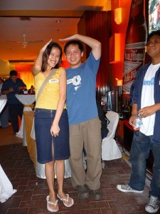 Mica and Jehz at Octoberfest for Bloggers Event (September 2008). Mas matangkad pa rin ako! Bleh!