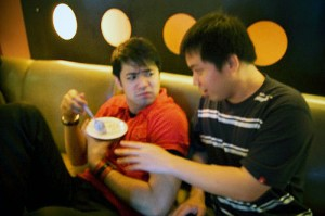Jehz and Doc Hayden at Centerstage (October 2008) Whatta memorable Patay Gutom night!