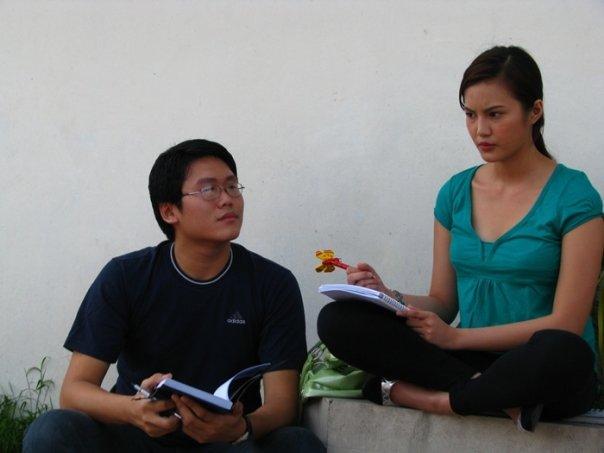 Brian Ong and Jade Lopez as Robert and Eloisa