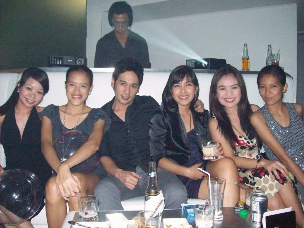 The Lounge 'Almost Black' Groupee :D