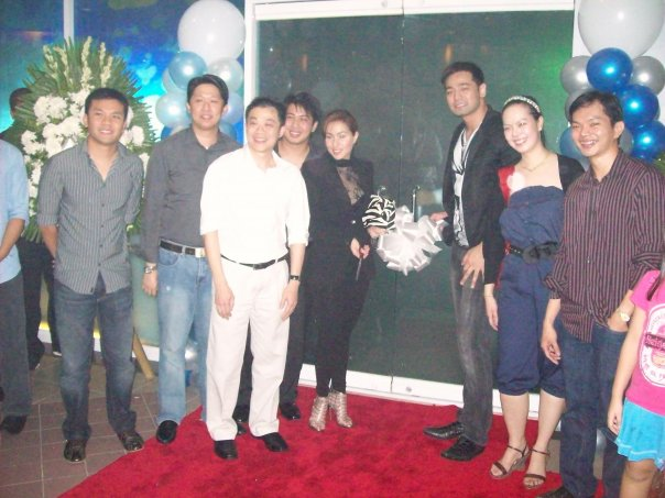 Cristine Reyes graced the Ribbon Cutting Ceremony of The Lounge