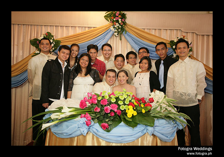 The newly-wed couple with the bloggers!