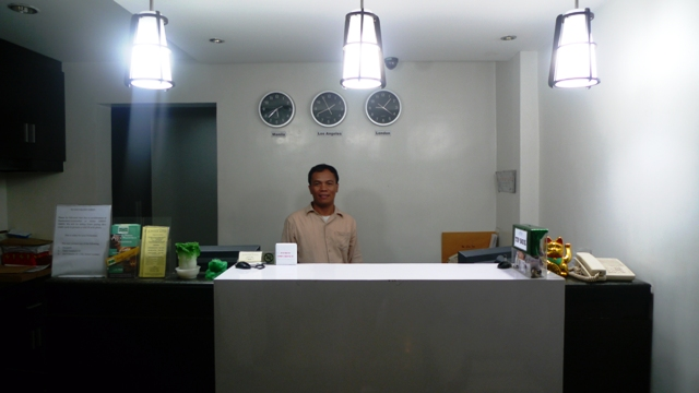 Sir Henry of Jupiter Suites Makati welcomed us with a smiling face =)