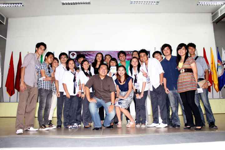 With the students of LNU-CICS in Dagupan City