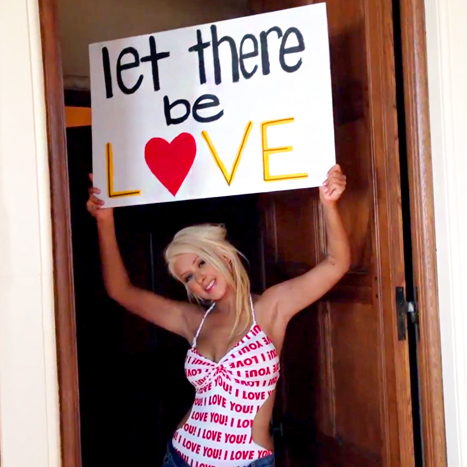 Christina Aguilera is not the main point of this post, but I'm spreading the LOVE!