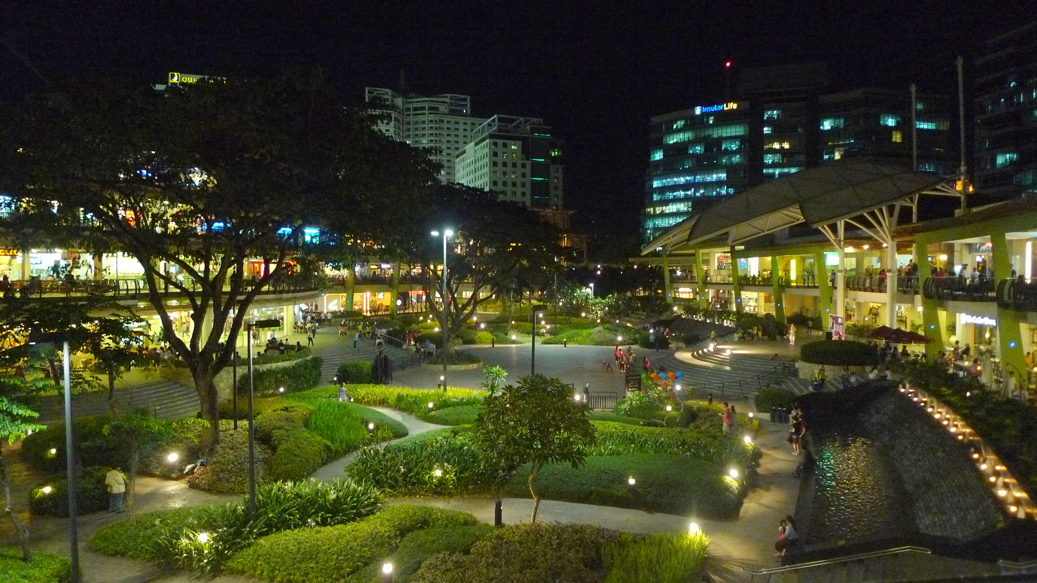 Ayala Terraces Cebu at Night